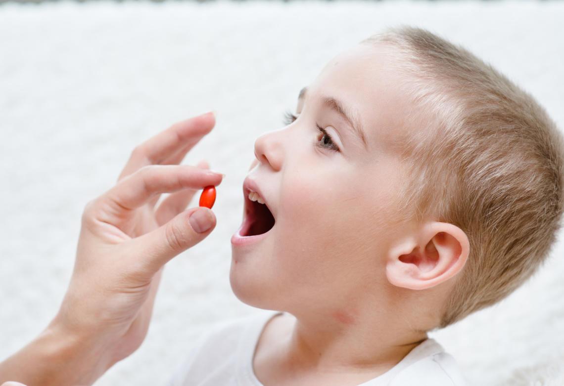 thuốc Azithromycin dạng hỗn dịch uống bột hương trái cây thơm ngọt rất dễ uống